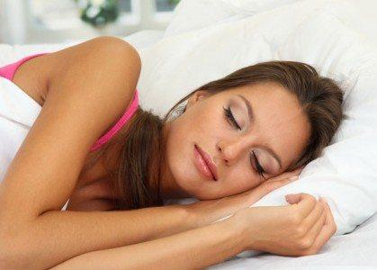 cara mengecilkan perut buncit tidur