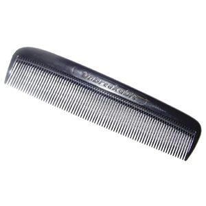 merawat rambut kering sisir rapat