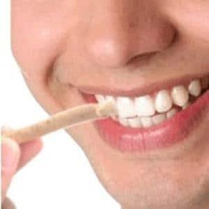 13 Cara Memutihkan Gigi Dengan Cepat Dan Alami