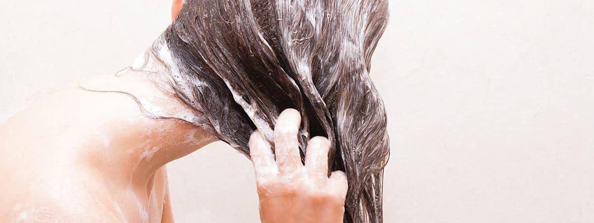 Cara Meluruskan Rambut Keriting Secara Alami dan Cepat 98d170ea4a