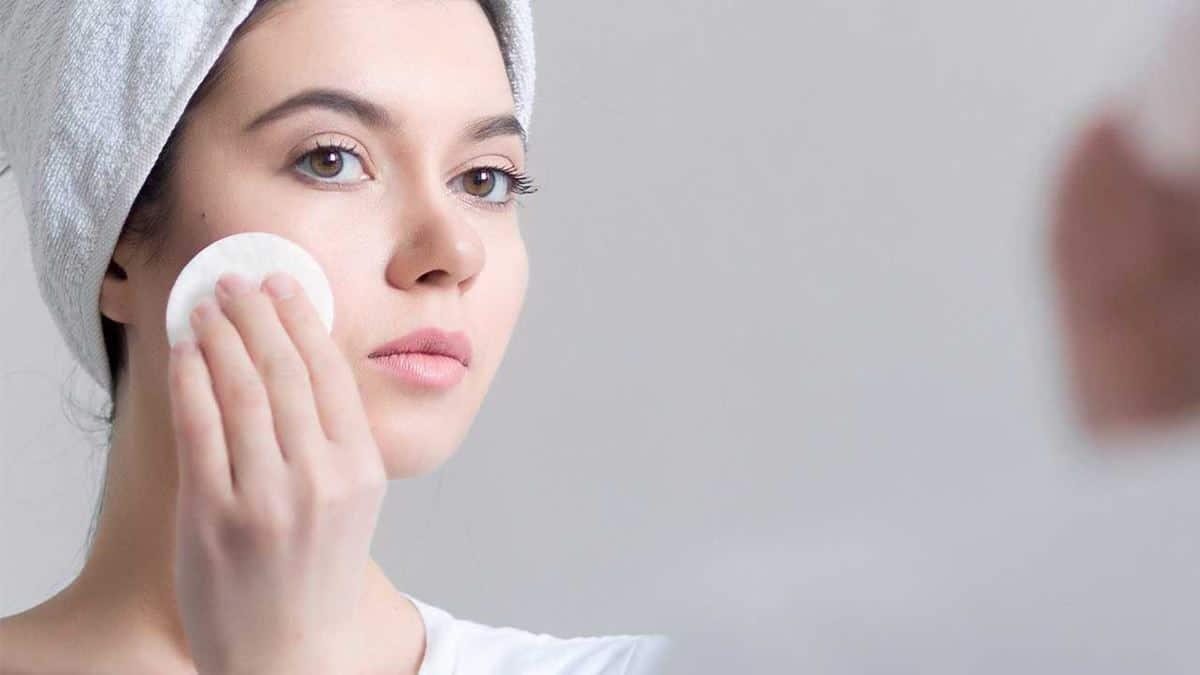 Pilih Kosmetik untuk Kulit Berminyak