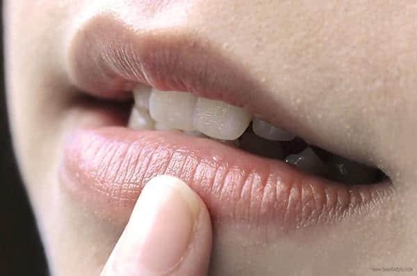 cara mengatasi bibir hitam