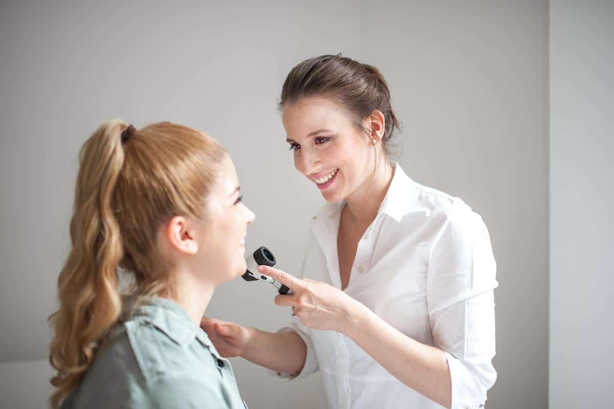 cara menghilangkan bibir hitam_konsultasi (Copy)
