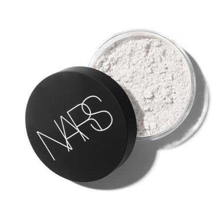 merk bedak untuk kulit kering NARS Light Reflecting Loose Setting Powder