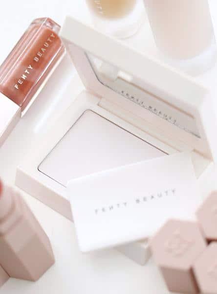 Fenty Beauty by Rihanna Invisimatte Blotting Powder