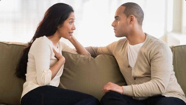 couple talking Cerita