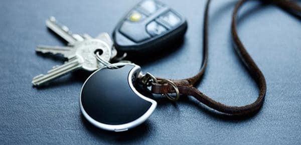 Menyimpan menyimpan kunci di sembarang tempat