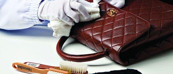 Cara membersihkan tas kulit agar mengkilap
