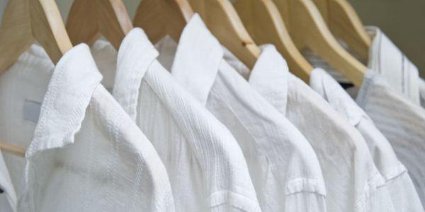 Cara mencuci baju putih yang benar