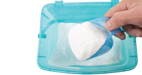 Pilih deterjen anti noda atau khusus baju putih