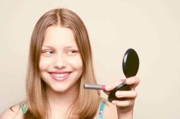 teenager lipgloss