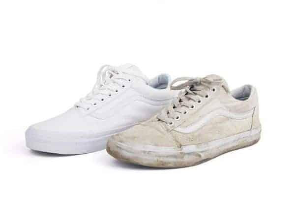 Cara membersihkan sepatu putih sesuai bahannya