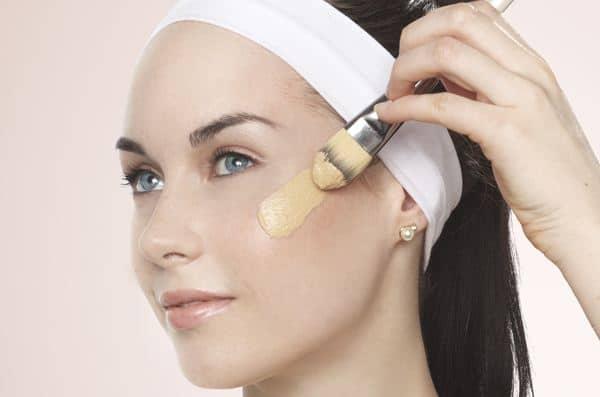 Gunakan kosmetik khusus kulit berminyak