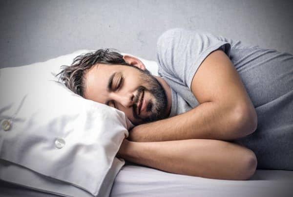 Tidur yang cukup setiap hari