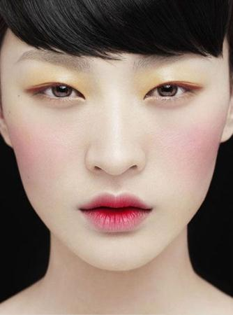 Cara Memakai Lipstik Ala Korea