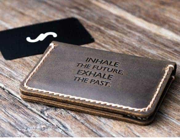 cara membersihkan dompet kulit