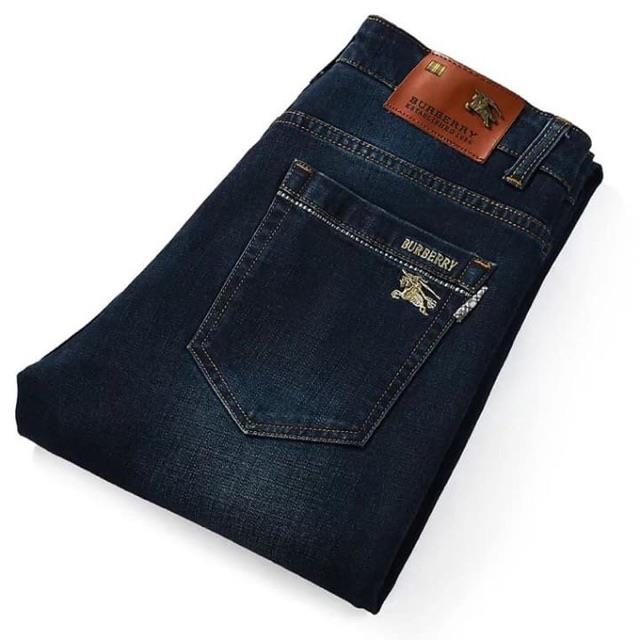 merk celana jeans paling terkenal di Indonesia_Burberry (Copy)