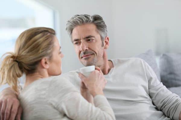 Miliki komunikasi yang nyaman Cara Agar Hubungan Langgeng