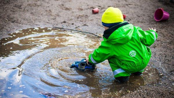 Tips merawat jas hujan Cara Merawat dan Mencuci Jas Hujan