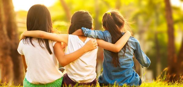 memilih dan menjadi teman yang baik