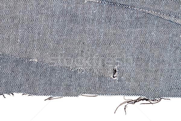 Jeans cara menghilangkan noda deodoran di baju