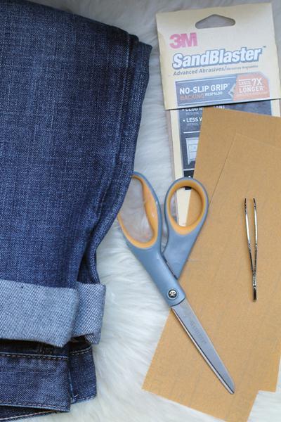 Siapkan Alat cara merobek celana jeans