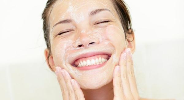 Jaga Kebersihan Kulit Wajah cuci muka