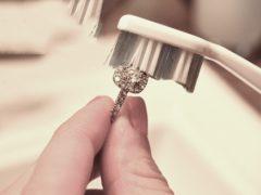 cara membersihkan cincin
