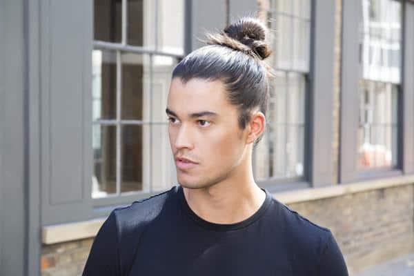 Man Bun cara menggulung rambut