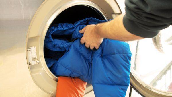 Cara Mencuci Jaket Bulu Angsa di Mesin Cuci