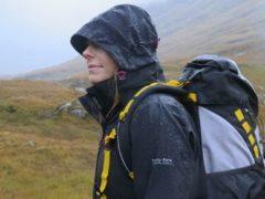 Cara Merawat dan Menyimpan Jaket Waterproof