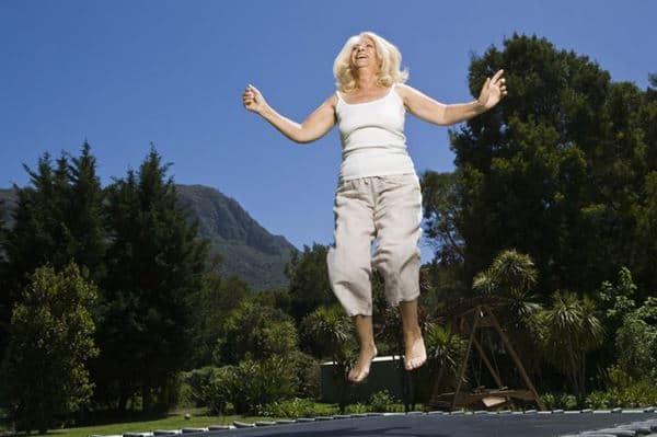 Melompat-lompat Olahraga Peninggi Badan di Rumah