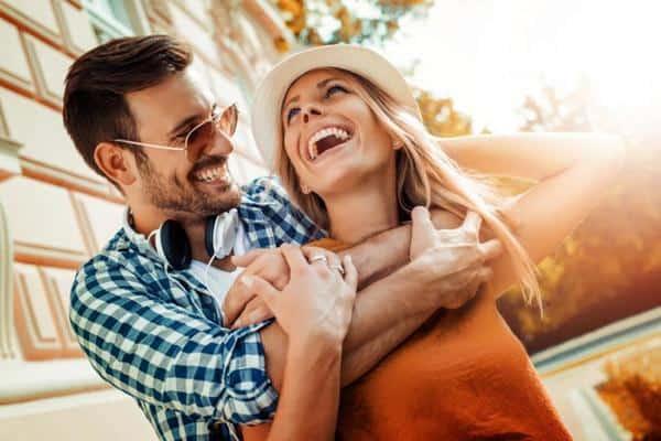 cara menghadapi pacar yang jarang ngasih kabar Cari Solusi Bersama couple