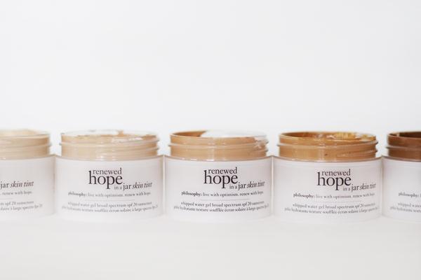 philosophy renewed hope in a jar tinted moisturizer