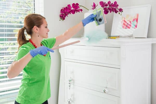 Bersih-bersih dan Berbenah Cara Mengisi Waktu Luang Agar Tidak Bosan