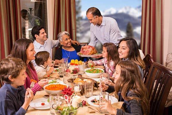Jalin Silaturahmi dengan Teman dan Keluarga