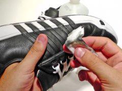 Tips Menjaga Warna Hitam Sepatu