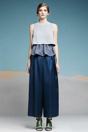 Layer cara memadukan warna baju dan celana