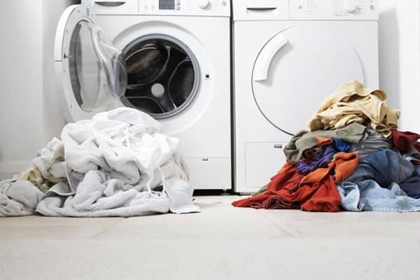 Pisahkan Pakaian Saat Mencuci