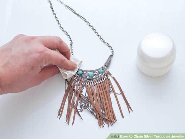 Pemoles cara menghilangkan karat pada kalung imitasi