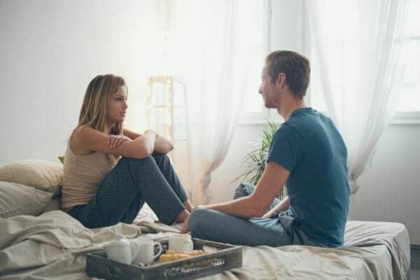 Ajak Suami Membicarakan Perselingkuhannya Cara Mempercayai Suami yang Pernah Selingkuh