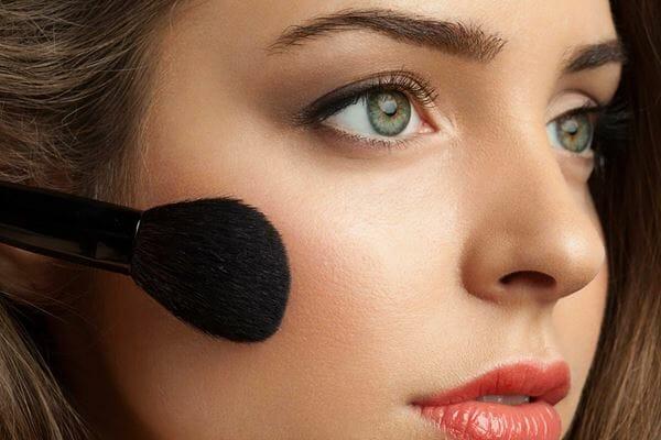 Make Up Jadi Lebih Gampang