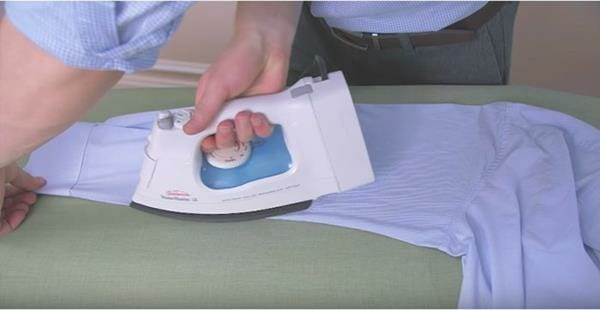 Shirt-Ironing-Guide-step-3 (Copy)