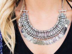 Simpan Perhiasan dalam Keadaan Kering