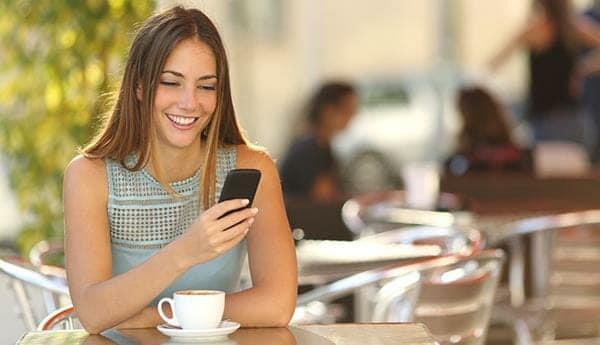 cara berkenalan dengan gebetan lewat chat womantexting2