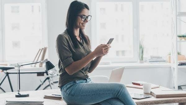 cara berkenalan dengan gebetan lewat chat womantexting7