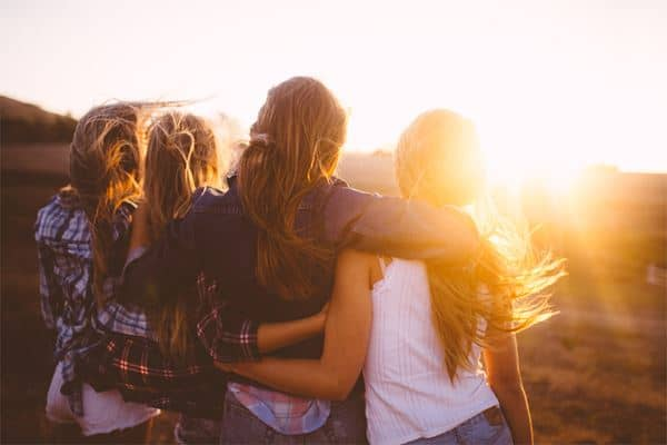 Bergaul dengan Banyak Teman Wanita