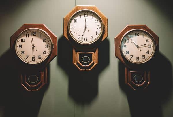 Cari Waktu yang Tepat