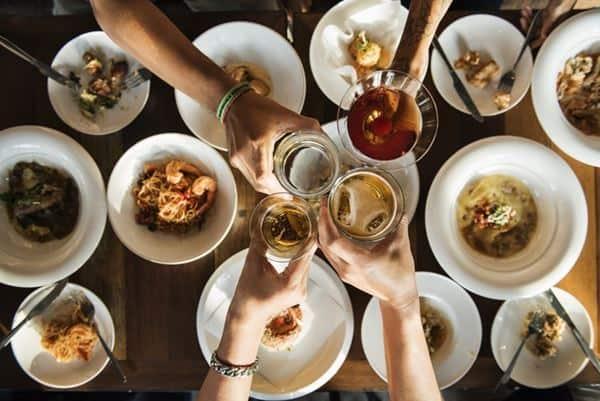 Makan Bersama Keluarga dan Sahabat
