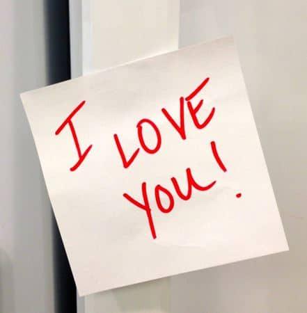 Sisipkan Pesan Cinta Anda